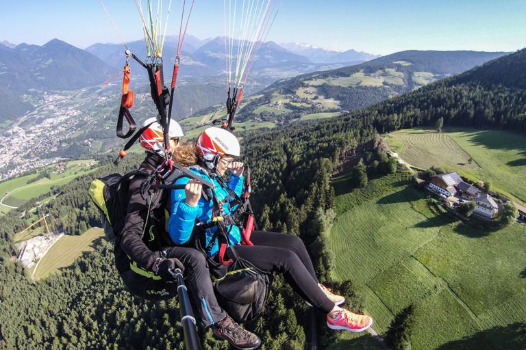 aktiv-am-bauernhof-paragliding